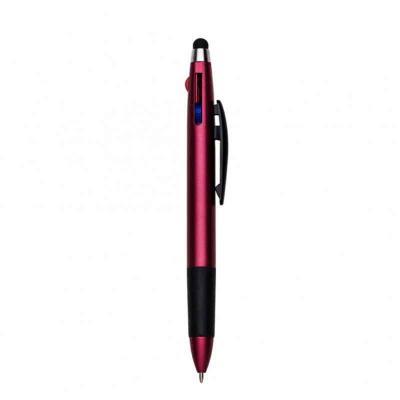 P&J Brindes - Caneta plástica três cores e ponteira touch, corpo vermelho com detalhes emborrachados. Possui as cargas azul, preto e vermelho(basta descer o suporte...