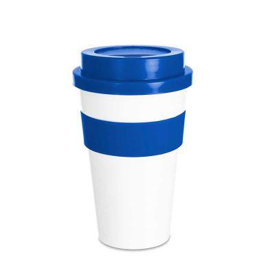 Clek Promocional - Copo plástico 480ml com tampa. Produzido em polipropileno e livre de BPA, o copo possui uma luva de silicone (removível) que impede a transferência de...