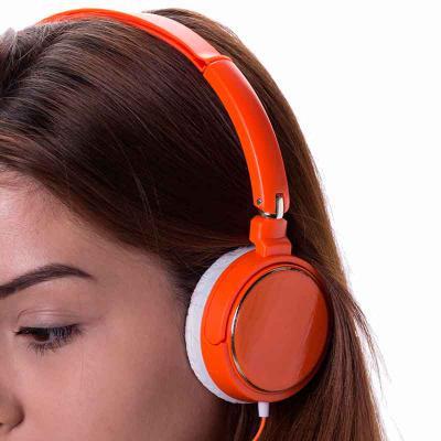 Clark Brindes e Presentes Promocionais - Fone de Ouvido Estéreo haste ajustável e fone giratório