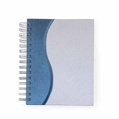 Clark Brindes e Presentes Promocionais - Agenda diária metalizada com ondulação colorida na lateral