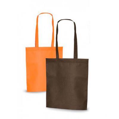 FC Brindes - Sacola colorida com alça em material TNT, possui símbolo ecológico/reciclável na costura da alça.  Altura :  41,2 cm  Largura :  37,2 cm  Medidas apro...