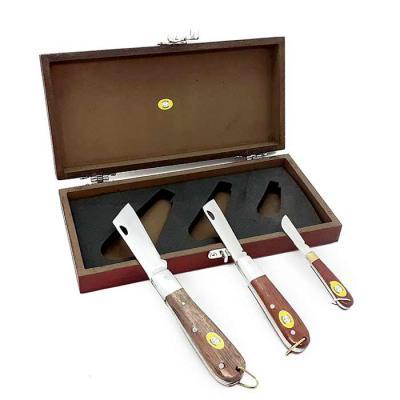 Âncora Brindes - Lindo estojo (23 x 11 x 4 cm) em mdf 6 mm trabalhado e pintado artesanalmente nas cores cerejeira e mogno, com fecho cromado. Canivete grande com lâmi...