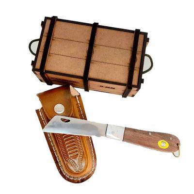 Âncora Brindes - Canivete em lâmina de aço inox livre de ferrugem, cabo em madeira certificada  com detalhes em pino e ponteira de alumínio, estojo em madeira MDF 3 mm...