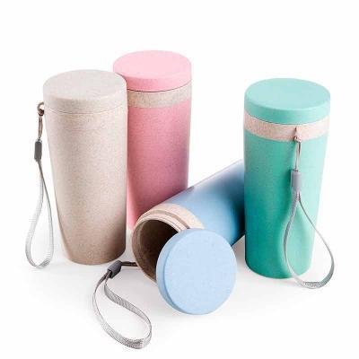 Lesan Brindes Total - Copo térmico de fibra de bambu de 350ml com alça. Copo produzido em Polipropileno livre de BPA, possui uma tampa de vedação rosqueável e alça de nylon...