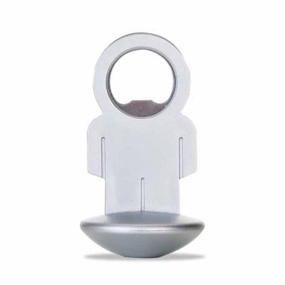 Yama Brindes Corporativos - Abridor de garrafa formato homem, material plástico resistente com peso na base circular, possibilitando o movimento da peça.  Medidas aproximadas par...