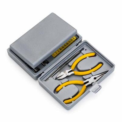 Yama Brindes Corporativos - Kit ferramenta 25 peças em estojo plástico resistente texturizado. Possui 2 mini chaves de fenda e 4 mini chaves phillips, adaptador chave de boca, ch...