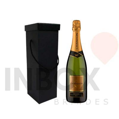 Inbox Brindes - Um Chandon 750 ml e uma caixa de presente