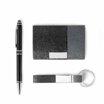 Inbox Brindes - Kit de porta cartões, chaveiro e esferográfica. C. sintético, metal e alumínio. Esferográfica com ponteira touch. Em caixa almofadada. Porta cartões:...
