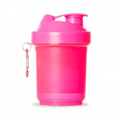 More Gifts - Coqueteleira 400ml plástica porta suplementos desmontável.  Possui: copo 400ml(medida em ml e oz), compartimento com divisória para comprimidos, compa...