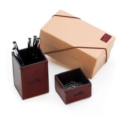 Galvani - Kit com porta lápis, porta clips e embalagem em caixa kraft com elástico.
