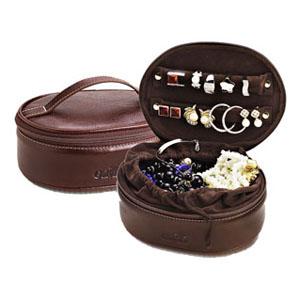 Galvani - Porta joias todo pespontado, com alça de mão fechamento em zíper, tam. aprox. compr.18 x larg. 13 x altura 7 cm.