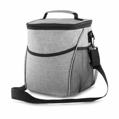 Brand Brindes Produtos Personalizados - Bolsa térmica, capacidade 12 litros, tecido nylon poliéster (cinza), bolso frontal, dois bolsos laterais, alça de ombro ajustável, alça de mão, parte...