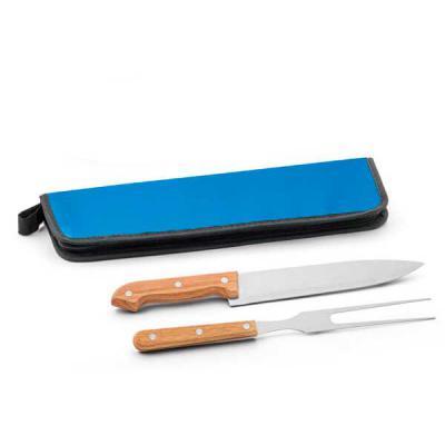 Brand Brindes Produtos Personalizados - Kit churrasco. Aço inox e madeira.  2 peças em estojo de 210D  Estojo: 350 x 130 x 20 mm