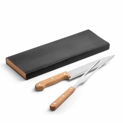 Brand Brindes Produtos Personalizados - Kit churrasco 2 peças em caixa kraft. Aço inox e bambu.  Food grade: 340 x 115 x 25 mm