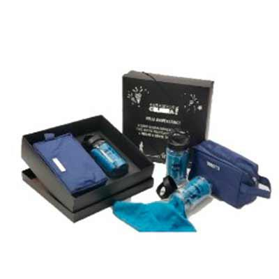 Brand Brindes Produtos Personalizados - Kit contem:  1 toalha: poliamida e poliéster. 1 garrafa: pp e pet.  1 necessaire pvc impermeável com plaquinha Caixa em bopp preto