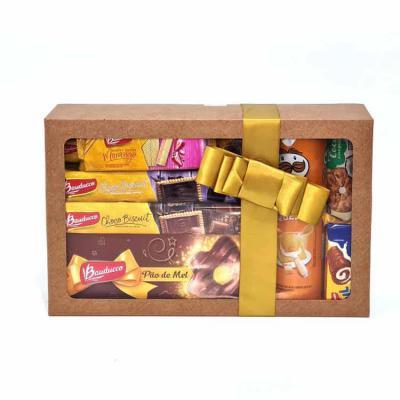 Brand Brindes Produtos Personalizados - Kit Especial Natal 11 produtos com Embalagem Caixa Presente Kraft com Laço Cetim  Contém:  1 Roll Leite 34g  1 Pringles Queijo 120g  1 Wafer Morango 3...