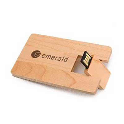 Brand Brindes Produtos Personalizados - Pen Drive em formato de cartão de crédito ecológico. Peso: 14 gramas. Dimensões: 8,4 X 5,4 cm. Materia prima: Madeira. Capacidade: 4GB; 8GB; 16GB