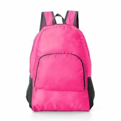 Envolve Promocional - Mochila confeccionada em nylon impermeável na cor rosa.