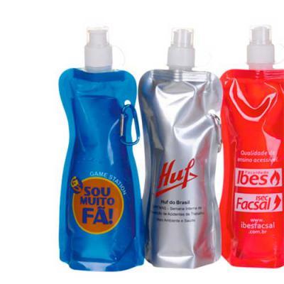 Envolve Promocional - Squeeze Dobrável Personalizado. Prático vem com mosquetão que pode ser utilizado para pendurar na mochila. Feito em material plástico e com capacidade...
