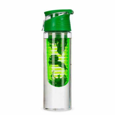 Envolve Promocional - Squeeze com infusor na cor verde com folhas de hortelã no infusor.