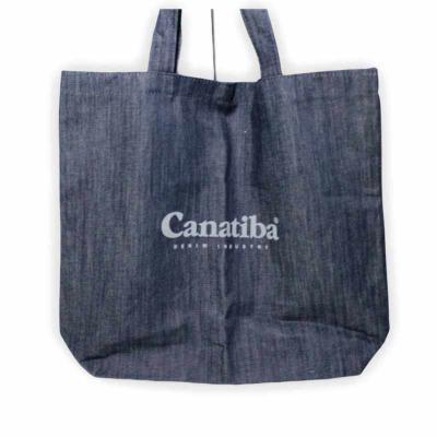 Ge Brindes - Sacola Jeans de Ombro com Estampa  Sacola jeans alça de ombro, estampado, modelo de sacola para compras.