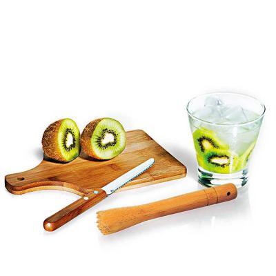 """QMais Brindes - Composto por quatro acessórios para caipirinha, sendo um copo em vidro de 350ml, um socador/pilão em bambu, uma faca para frutas de 4"""" em aço inox e b..."""