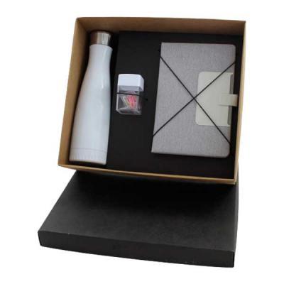 Criativo Brindes - Kit em caixa de papel kraft, squeeze em inox 500ml, pote de clips, caderneta com capa em tecido. Gravação nas peças e na tampa da caixa.