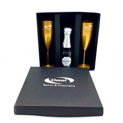 Brindi Produtos Corporativos - Kit Personalizada com  bebida e duas taças