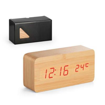 Alliance Brindes - Relógio em MDF com calendário, alarme e termômetro.