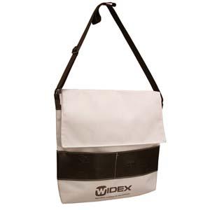 Roar Material Promocional - Bolsa/Pasta com velcro, bolso frontal e alça regulável.
