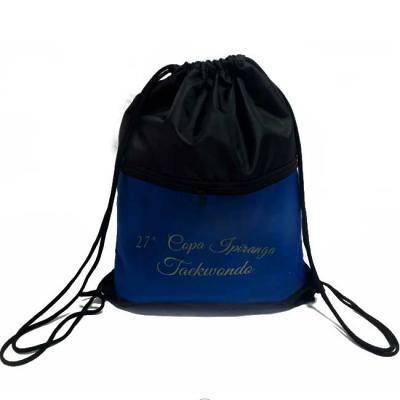 S & S Bolsas - Saco mochila com bolso em nylon 210 resinado Medidas: 48x38 cm