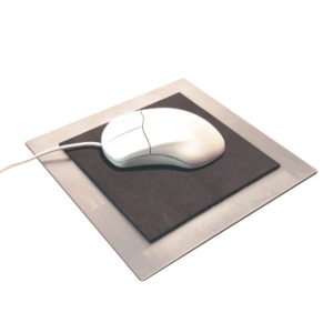 OZN Produz Presentes Corporativos - Mouse pad moderno que se diferencia dos demais no mercado, pelo uso de materiais nobres e resistentes como o aço inox. Não perca tempo adquira já o se...
