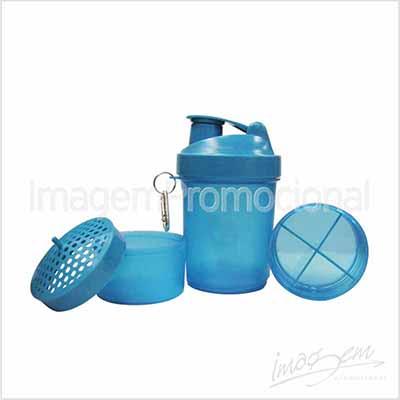 Imagem Promocional - Shaker (coqueteleira) em plástico rígido com 03 divisórias.