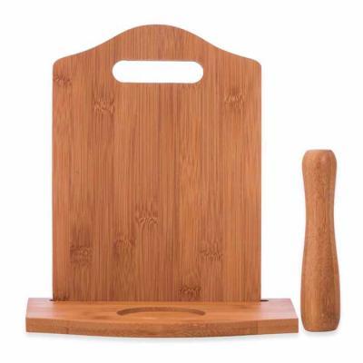 Imagem Promocional - Kit caipirinha 3 peças com: tábua de corte, socador e suporte para copo. Material de madeira, tabúa além de possuir suporte para copo(não acompanha) t...