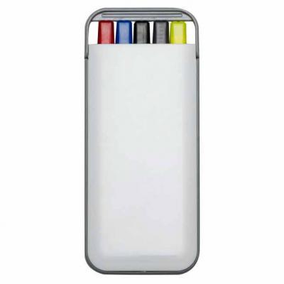 Imagem Promocional - Kit 5 em 1 branco em plástico resistente. Possui: caneta/carga azul, caneta/carga preto, caneta/carga vermelha, marca texto amarelo e lapiseira. Later...