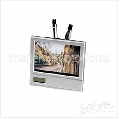 Imagem Promocional - Porta retrato plástico tamanho 10x15, com relógio e porta caneta
