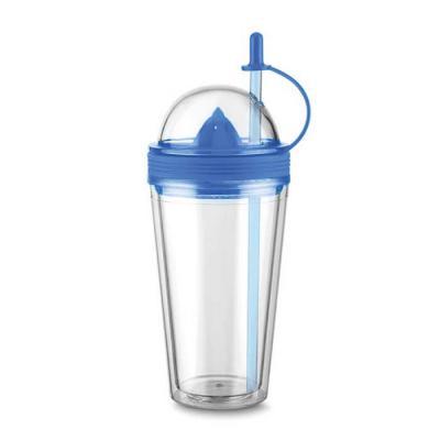 Copo plástico 500ml com espremedor de frutas. Acompanha tampa rosqueável para o espremedor com supor...