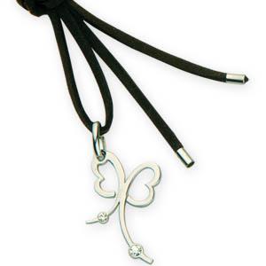 MKorn - Cordão com pingente semi joia estilizado.