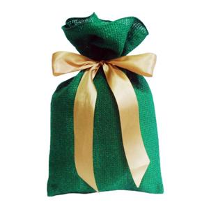galeon-brindes-e-embalagens-promocionais - Saco personalizado em juta sintética verde - Medidas: 18 x 38 cm, com fita de cetim para amarrar.