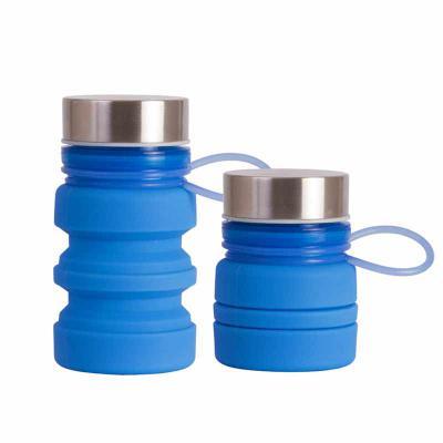 Garrafa de silicone personalizada, com capacidade de 220ml. Squeeze retrátil e dobrável para economizar espaço. Possui tampa metálica e um cordão feit...