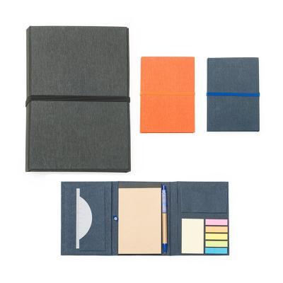 Plus Brindes - Bloco de Anotação reciclado personalizado. Contém caderno, caneta reciclada, régua plástica, sticky notes e porta cartão. Dimensões: 15,7 x 10,9 x 2,0...