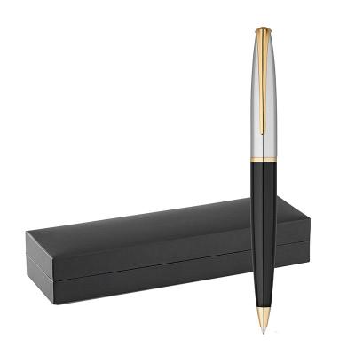 Plus Brindes - Caneta esferográfica em metal, fornecida em estojo almofadado. Acionamento giratório. Com 1,5 km de escrita. Uma caneta de excelente escrita e detalhe...