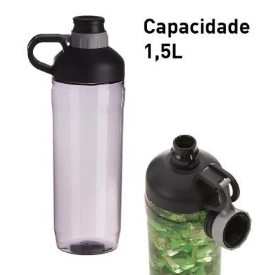 Plus Brindes - Garrafa personalizada de plástico, com capacidade de 1,5L. Tampa rosqueável a vácuo, anti perda, pois a tampa é presa no corpo da garrafa. Com alça pa...