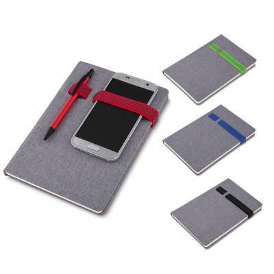 Plus Brindes - Cadernos de anotações com elástico Suporte para celular e caneta Capa com material Sintético, 80 Folhas pautadas Medidas aproximadas: 21 x 15,5 x 5mm