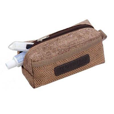 Detalhes Brindes - Necessaire personalizada com bolso frontal de telinha, e alça lateral. Fechamento através de ziper