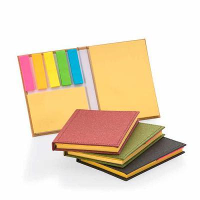 Crazy Ideas - Bloco de anotações com capa dura, sticky notes e miolo sem pauta na cor amarela.  Dimensão Produto: 10,5 x 8,0 x 1,2cm.