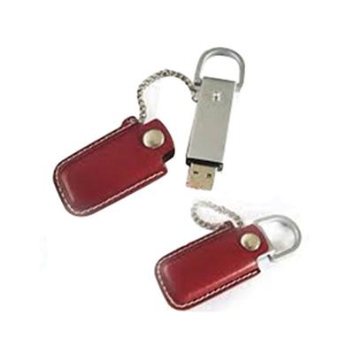Crazy Ideas - Pen drive personalizado em metal com capa de couro vermelha.
