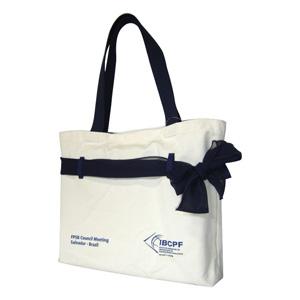 Bolsa / Ecobag personalizada em lona de algodão cru (artigo 390 gr / m²) - Compartimento com acesso livre - Acompanha lenço leve.