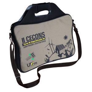 Ecofábrica - Case personalizado em lona para notebook, dimensões: 41 x 42 x 3 cm. Duas alças de mão acolchoadas. Personalização por silk ou etiqueta com hot stampi...