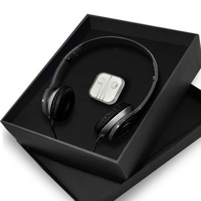 Redd Promocional - Kit com Fone de Ouvido Personalizado 1